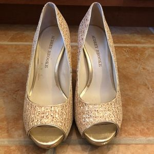 Size 7 sparkly gold heels
